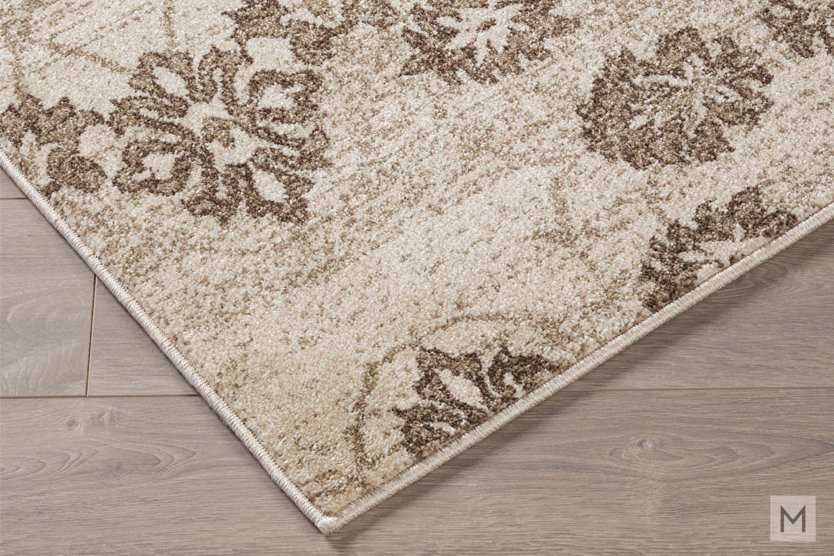 Aviana 5' x 7' Area Rug featuring Botanical Motif