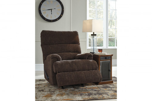 Man Fort Recliner in Earth