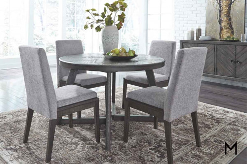 Besteneer Dining Set with Table and 4 Chairs