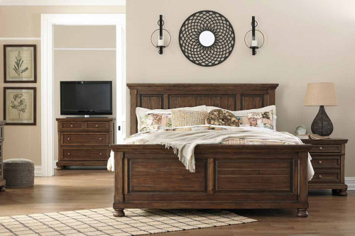 Flynnter Panel Queen Bed