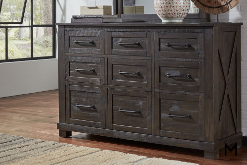 Sun Valley 9 Drawer Dresser with Felt Lined Top Drawers