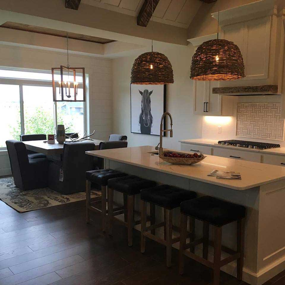 Carly E Kitchen