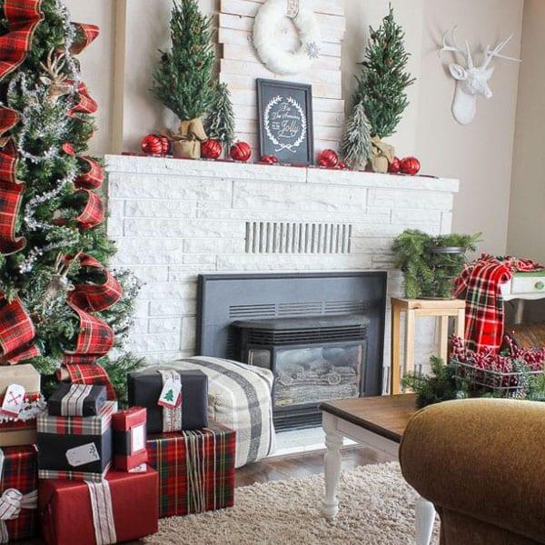 christmas plaid decor